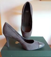 Sive salonke, cipele na visoku petu