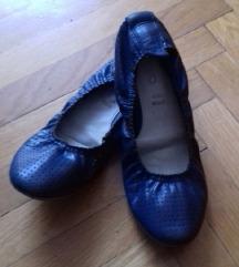 Tamnoplave balerinke