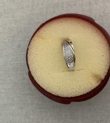 prsten od bijelog zlata