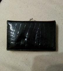 Ženski crni novčanik