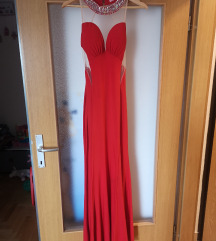 Crvena večernja haljina