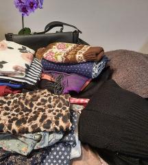 Lot odjeće 30 artikala - haljine, puloveri, suknje