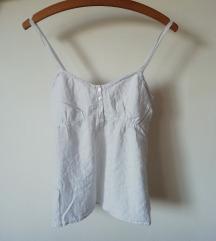 Bijela bluza na ramenice