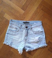 Nove traper hlačice