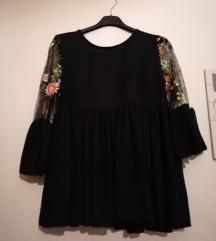 Crna cvijetna bluza