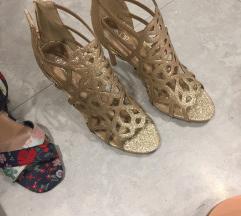 Zlatne sandale s remenčićima