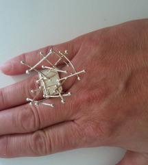 Ekstravagantan unikatni prsten