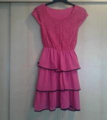 Roza haljina s volanima