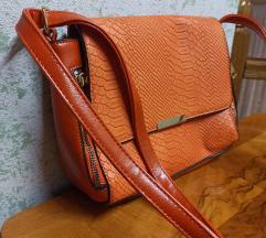 Narančasta torbica sa dugim remenom