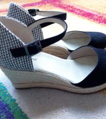 Nove Deichmann sandale na punu petu