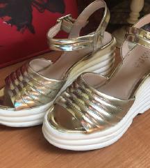 Zara zlatne sandale 36