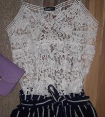 Čipkasta majica i stradivarius hlače