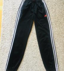 Original Adidas crna trenirka hlače vel 164 (S)