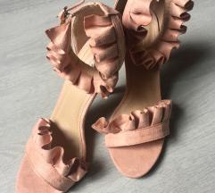 Sandale/štikle nove 38