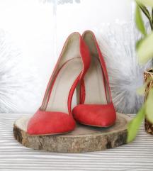 Štikle u koraljno crvenoj boji