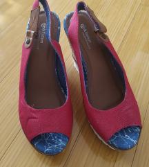 Sandale nove nenošene