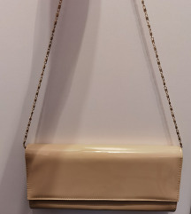 Elegantna bež lakirana torbica - NOVO - SAMO 70 KN