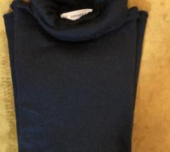 Zara crni duži mohair pulover