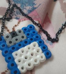 Zanimljiva geek ogrlica