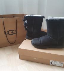 UGG crne cizme s masnom