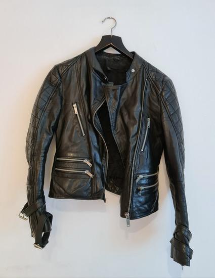 Zara jakna 100% koža