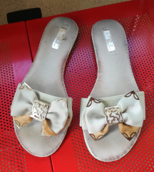 Sandale s mašnom