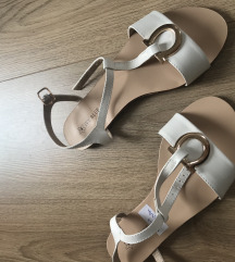 Bijele sandale 38