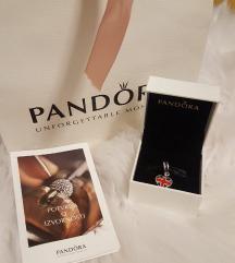 Pandora Velika Britanija srce privjesak