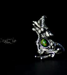 Crni opal-prsten