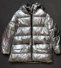 Zara srebrna pernata jakna