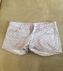 Roze kratke hlače na točkice - EUR 32