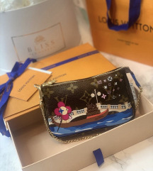 LOUIS VUITTON mini pochettte