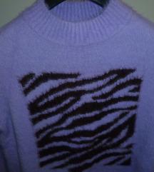 Mekani ljubičasti pulover s printom