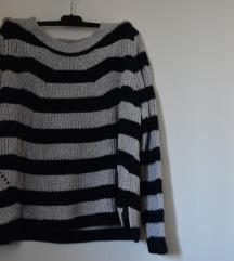 Prugasti džemper