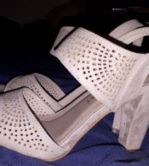 Roze sandale 35