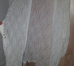 Bijeli pleteni kardigan