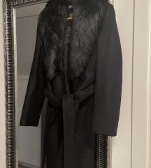 Zara kaput s krznom