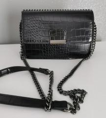 Mala crna kožna torbica
