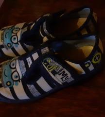 Papuce 17 cm UG