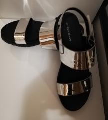 Nove srebrne sandale 39/40