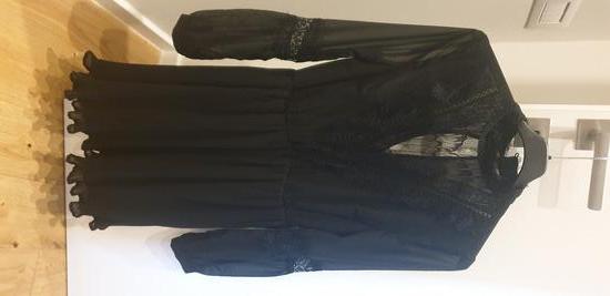 Vero Moda crna mini haljina