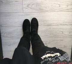 Čizme od gamoša, crne, ravne, visoke