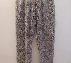 Tanke, lepršave hlače - zebra uzorak