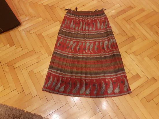 prekrasna suknja vel 40