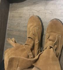 Konjak gleznjace cizme