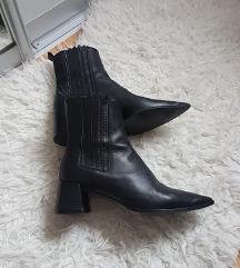 Sniženoo 300 kn! 😊🖤ZARA crne čizme od prave kože