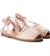 Baby roze sandale