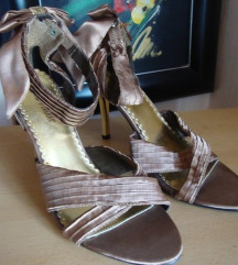 Donna Velenta sandale br. 40 - poklanjam