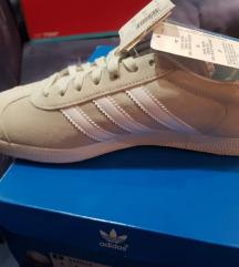 Nove originalne Adidas Gazelle s etiketom