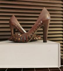 Smeđe cipele s otvorenim prstima